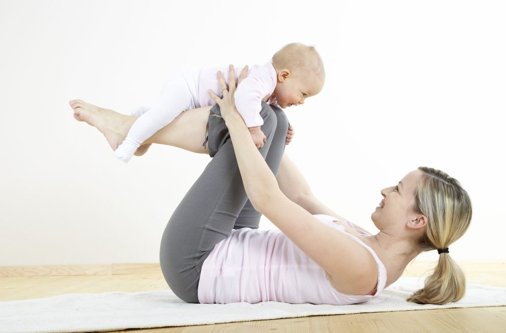 Mor og barn yoga